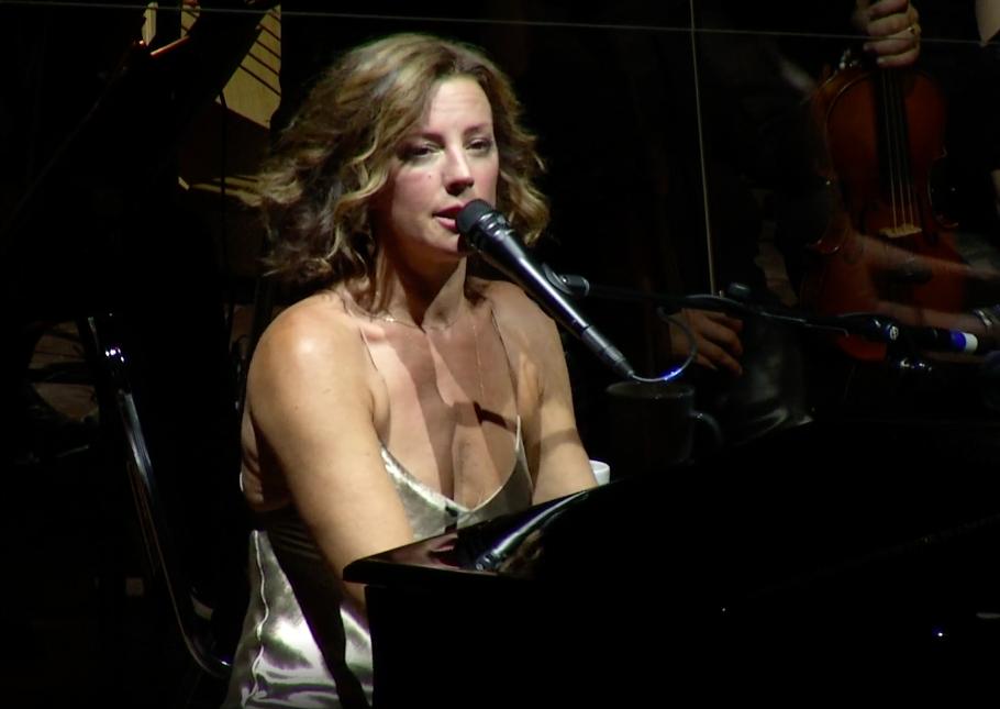 Sarah Mclachlan and the Colorado Symphony perform